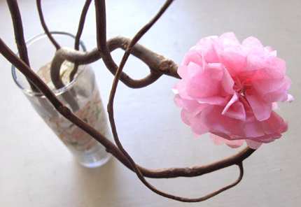 paper flowers. DIY Tiny Tissue Paper Flowers
