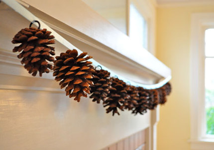 Pine_Cone_Garland_T&T